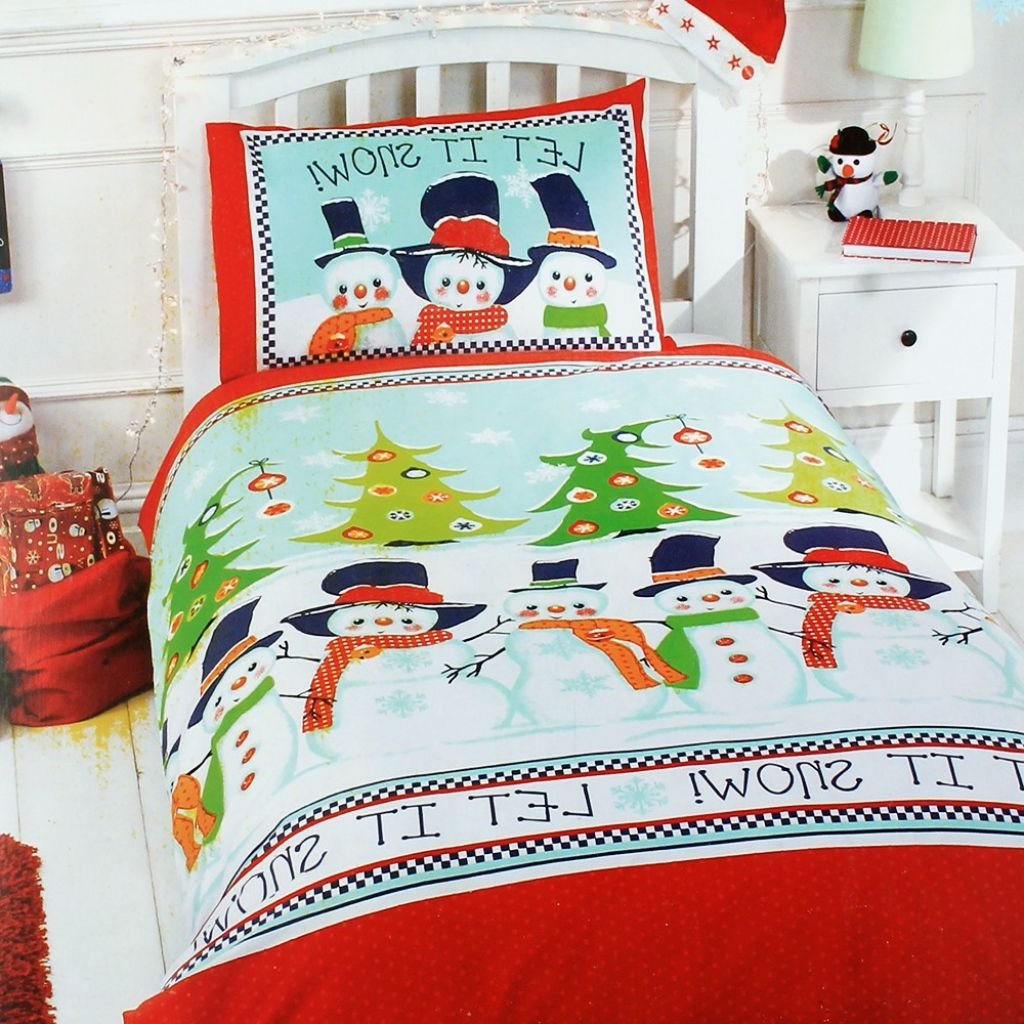 Snowmen and Christmas Tree Bedding