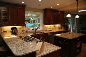 giallo napoli dark granite backsplash ideas