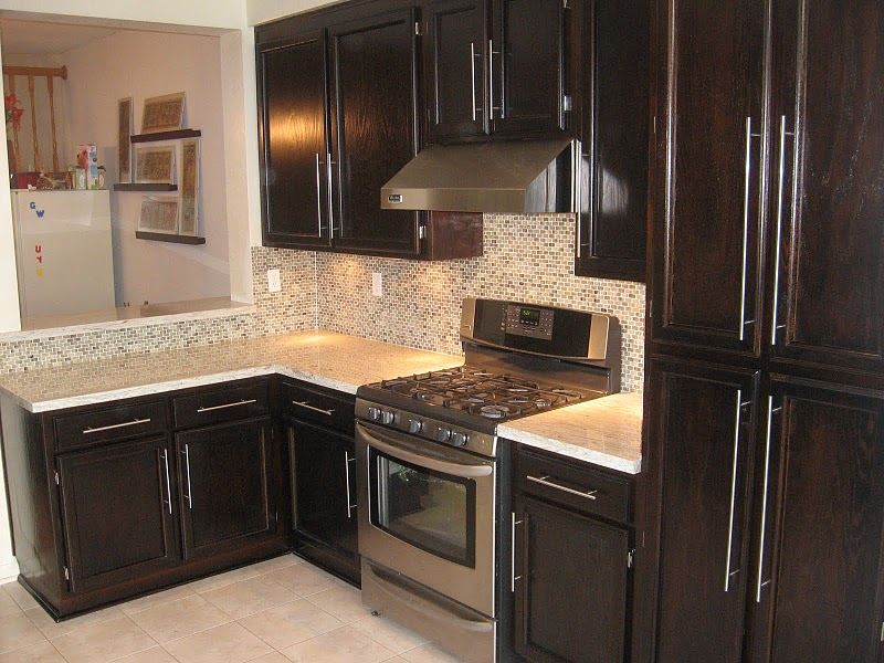 River White Granite Dark Cabinets Backsplash Ideas on tile kitchen backsplash ideas, flooring ideas for dark cabinets, kitchen backsplash for dark cabinets,
