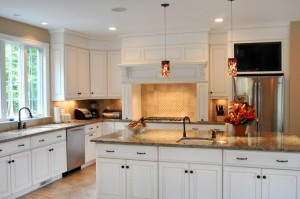 Cambria Buckingham White Cabinets Backsplash Ideas