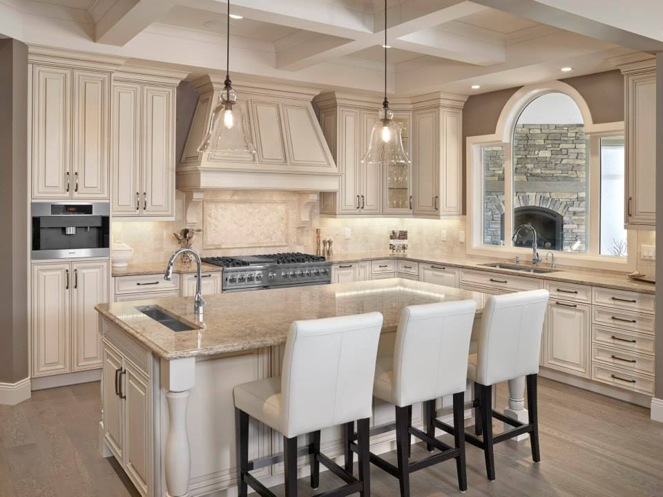 White Kitchen Cabinets And Backsplash – Quicua